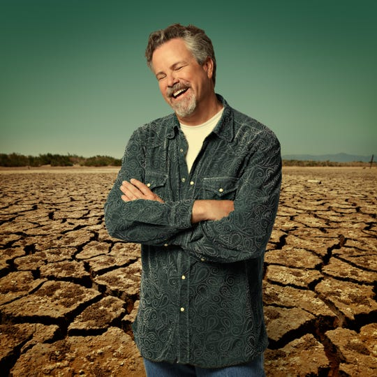 Robert Earl Keen plays Pebble Hill Plantation outdoors on Sunday.