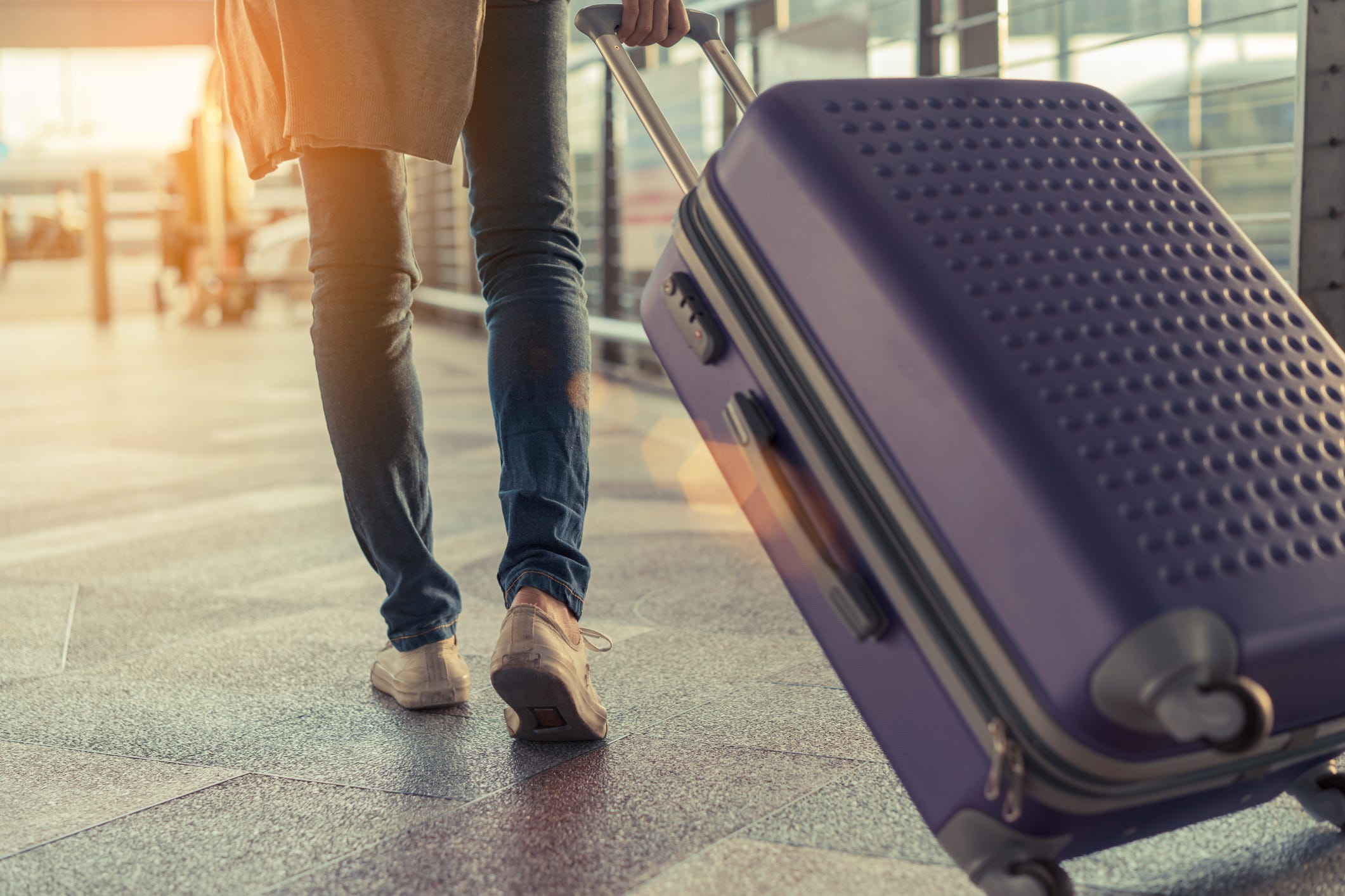 Amazing airfares: December is the year's final deal zone | USA Today