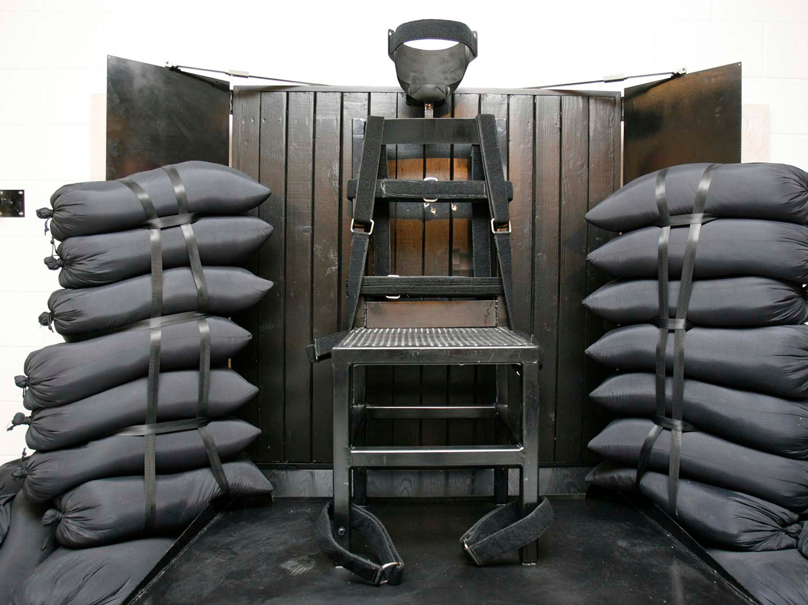 Inmates want to add firing squad as execution method on Tennessee's death row