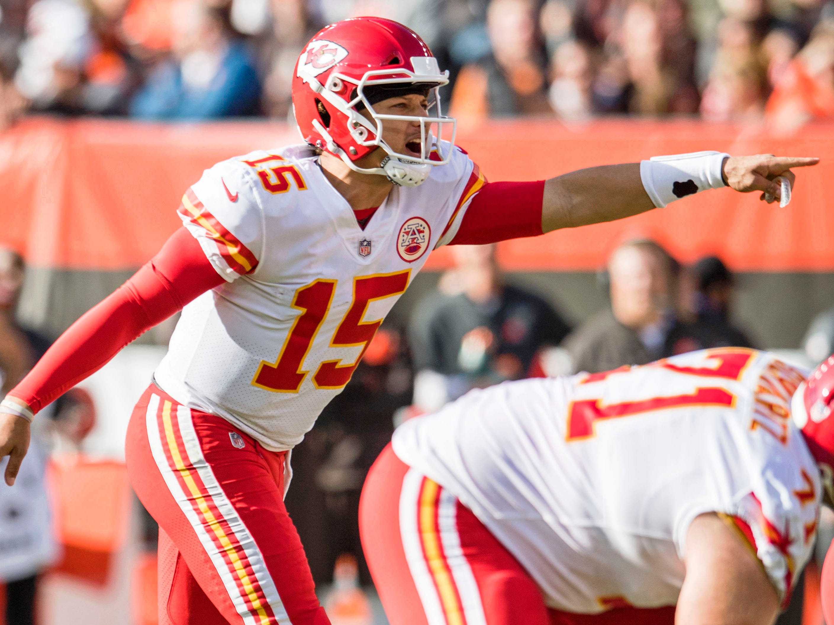 4. Chiefs (4): Patrick Mahomes continues grabbing headlines, but defense quietly jelling into decent unit even as it adapts sans Justin Houston, Eric Berry.