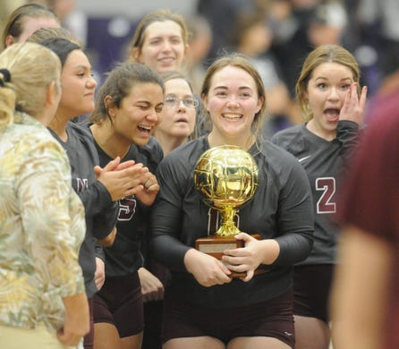 Hawley volleyball gets over hump, advances to region tournament with sweep of Quanah