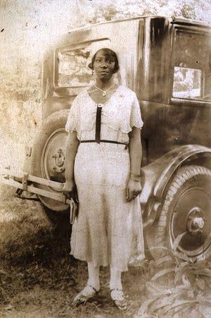 East Riverside woman, circa 1920