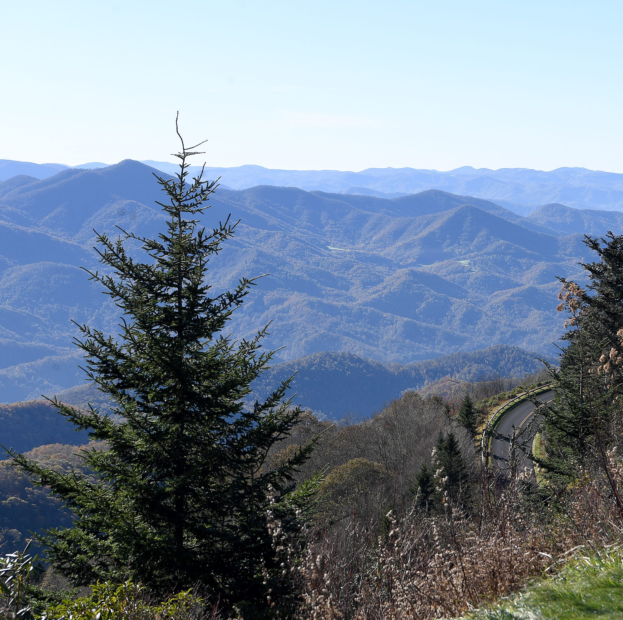 Going for a drive on the Blue Ridge Parkway? Know which sections are closed