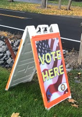 Vote here sign in New Hartford New York.