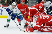 Detroit Red Wings show resilience, win in shootout