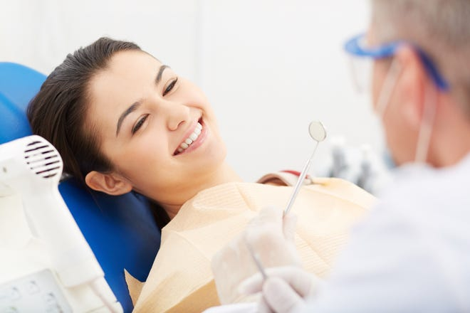 Studies show that the optimal age for wisdom teeth removal is when a patient is between 15 and 17 years.
