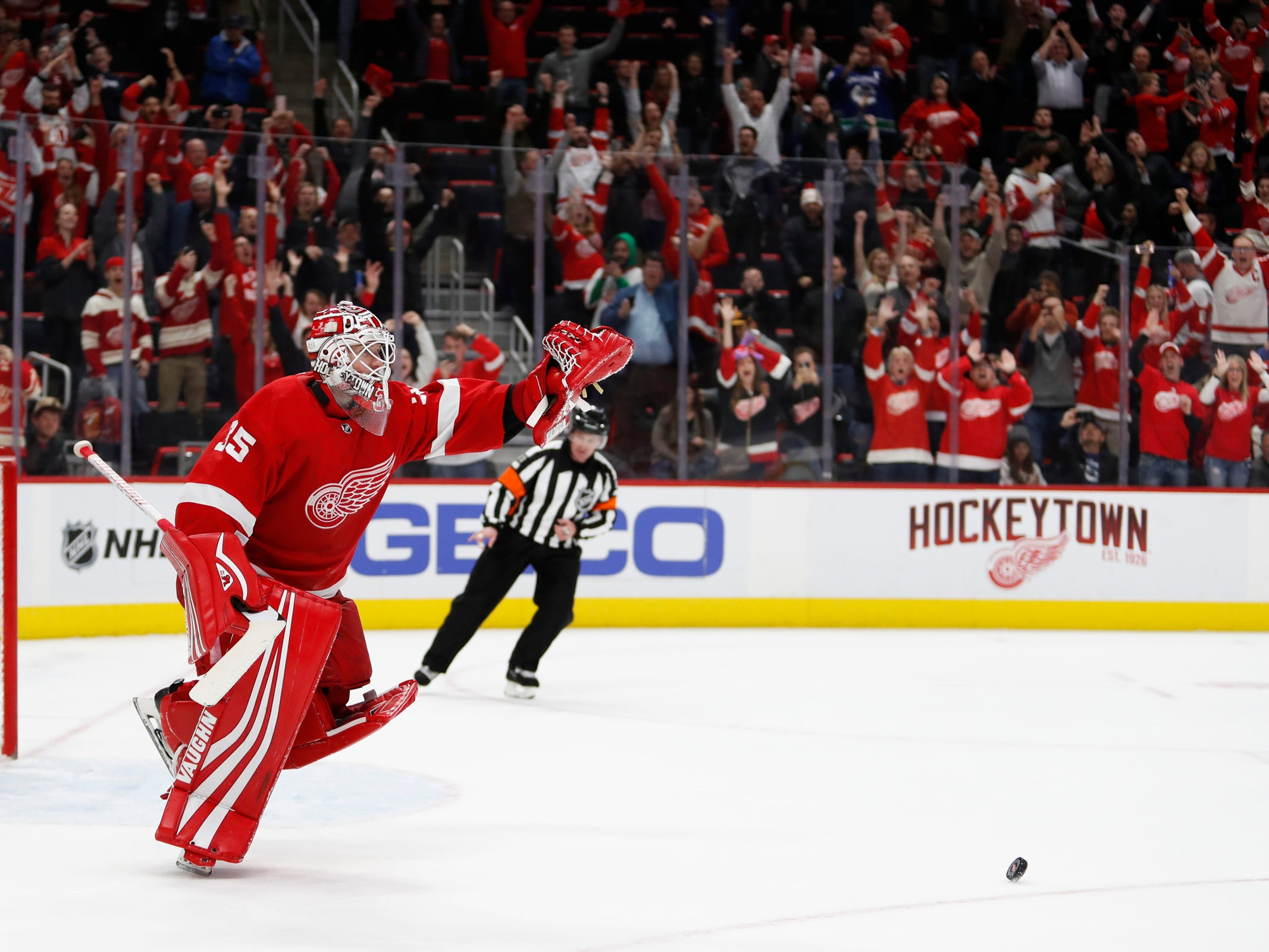Newly resilient Detroit Red Wings rally for 4th win in past 5 games