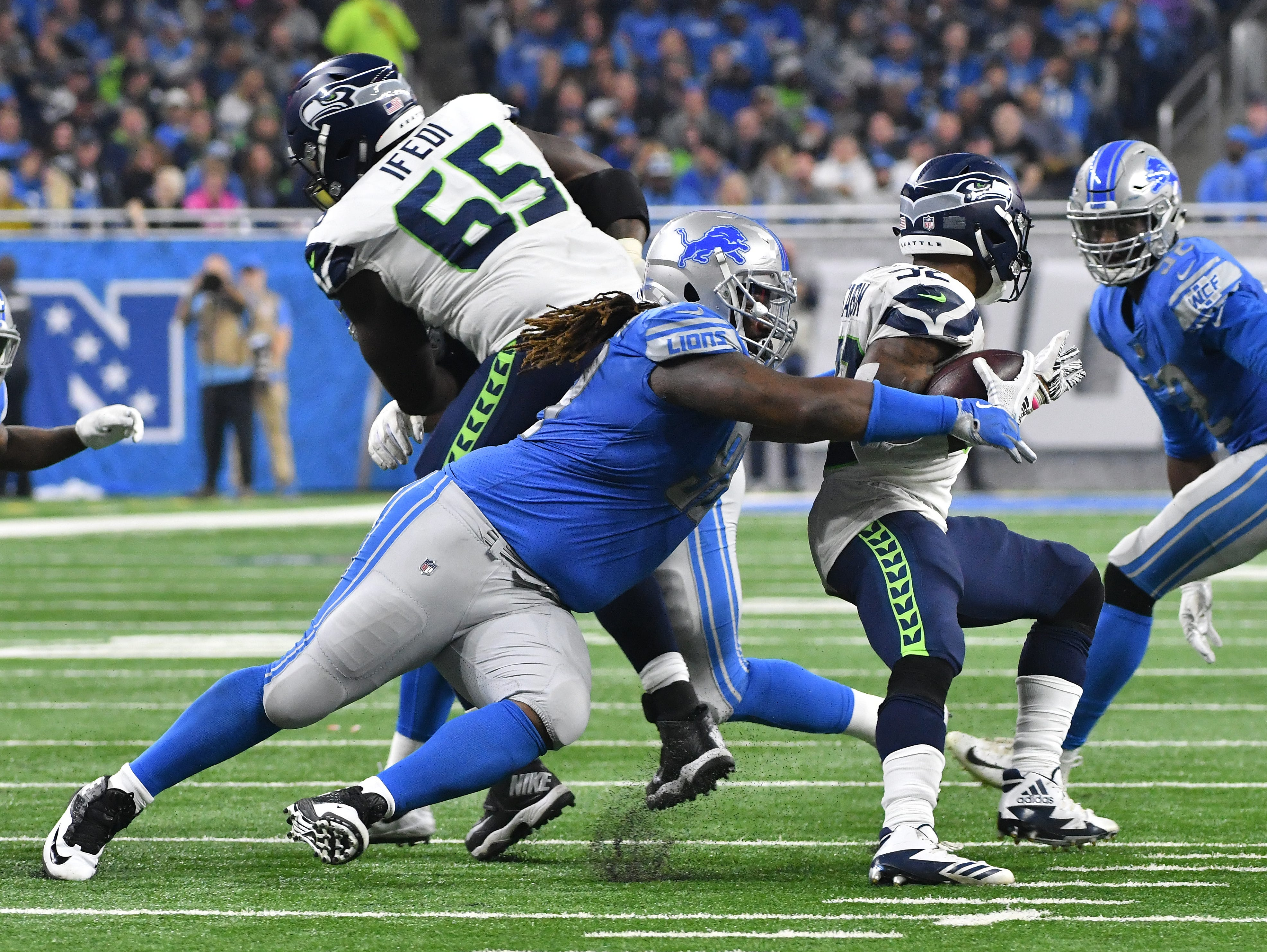 DT Damon Harrison: Yeah, he's only been here two weeks, but Harrison is everything the Lions hoped he'd be. A run-stuffer extraordinaire, opponents have had almost no success running at or near his gap. And he's also shown a touch of juice when rushing the passer, dropping the ever-elusive Russell Wilson a week ago. Grade: A