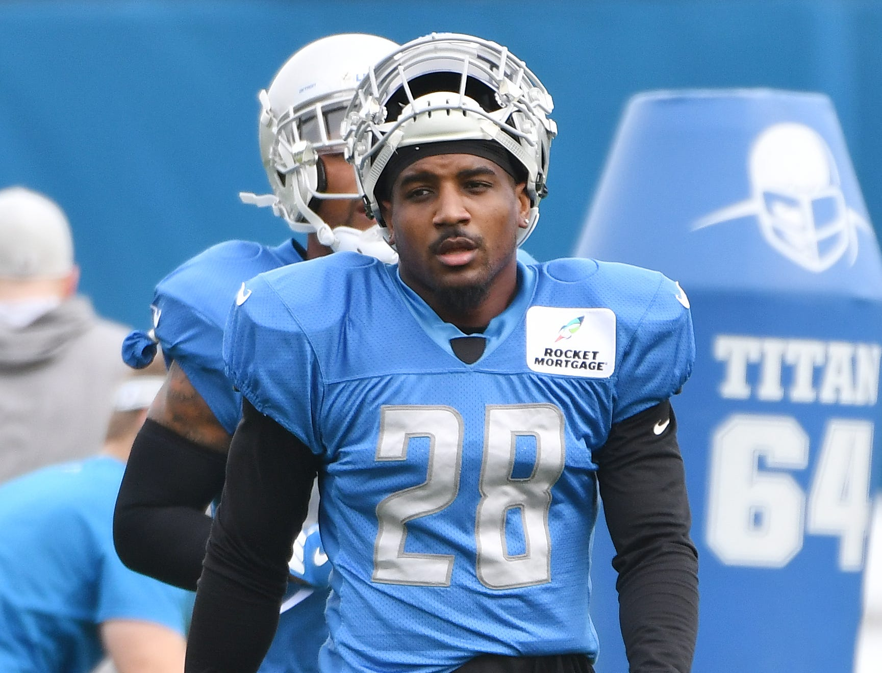 S Quandre Diggs: Diggs started the season off with a bang, returning an interception for a touchdown on the first snap. He hasn't forced another turnover, and has broken up only one more pass. Still, he's been reliable enough against both the pass and the run. Grade: B