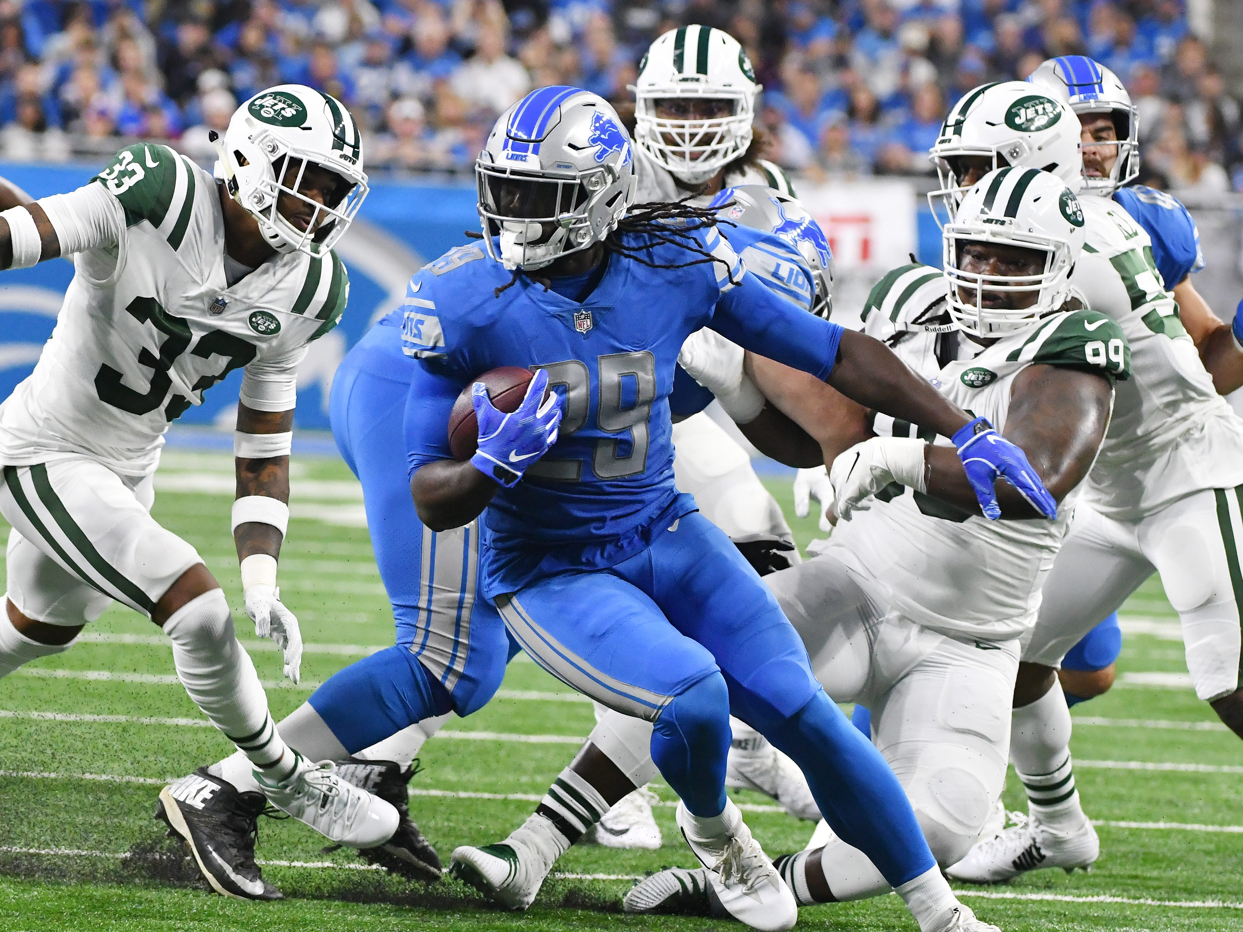RB LeGarrette Blount: Blount has been disappointing in his first season with the Lions. The starter to begin the year, and current second-fiddle in the rotation, he hasn't brought his career-long consistency with him to Detroit. While he's been above-average in short-yardage situations – where the Lions desperately had a need – the down-to-down vision and reliance on elusiveness over power on his rare runs into the second level have left him averaging 2.7 yards per carry. Grade: D+