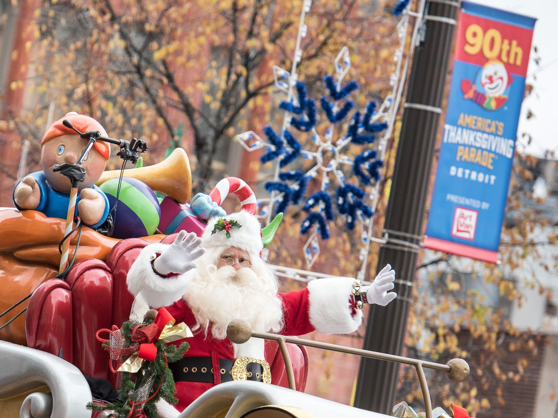 Win a Family 4-pack to the Thanksgiving Parade