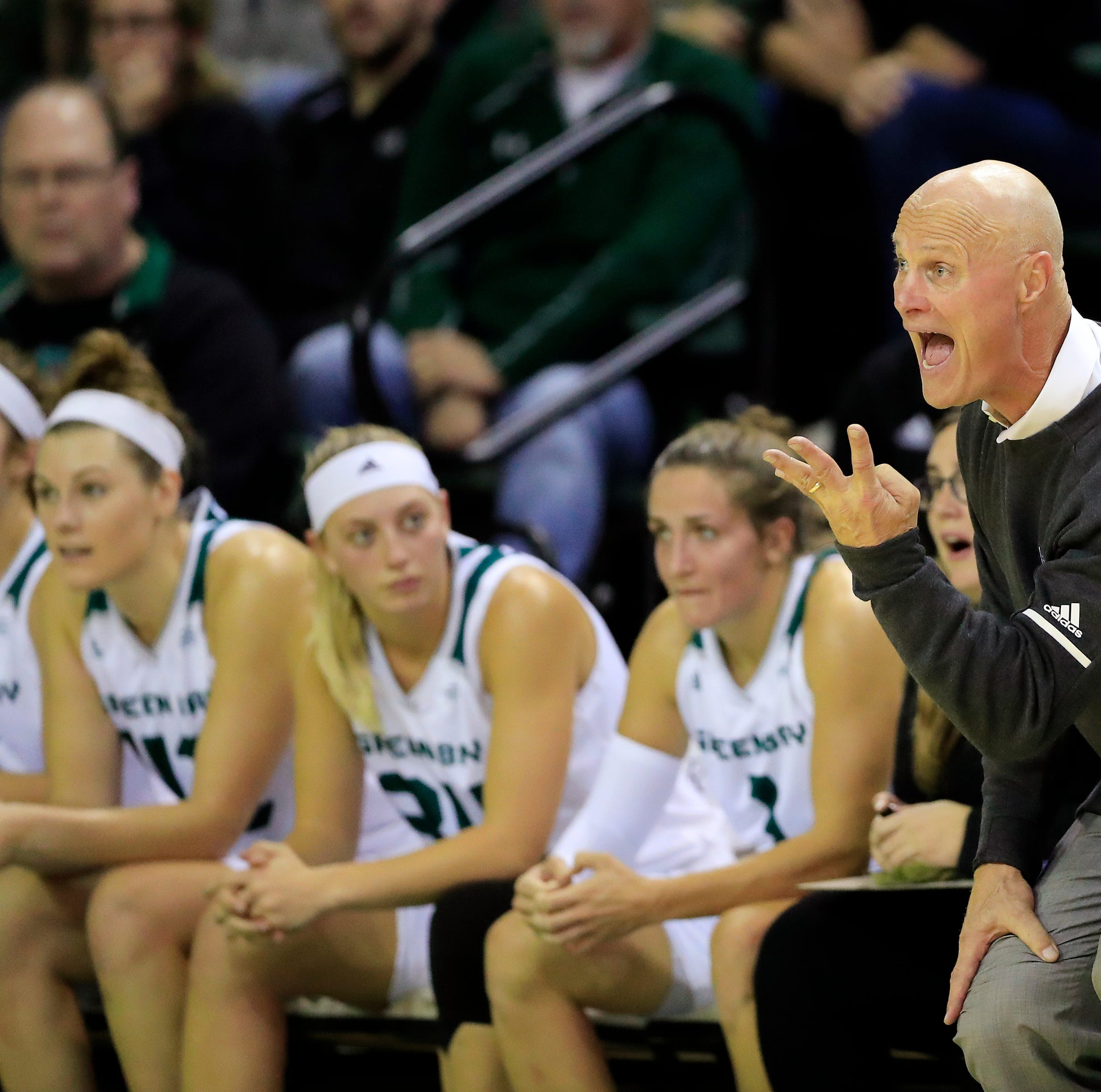 UWGB women's basketball: Phoenix returns to winning ways