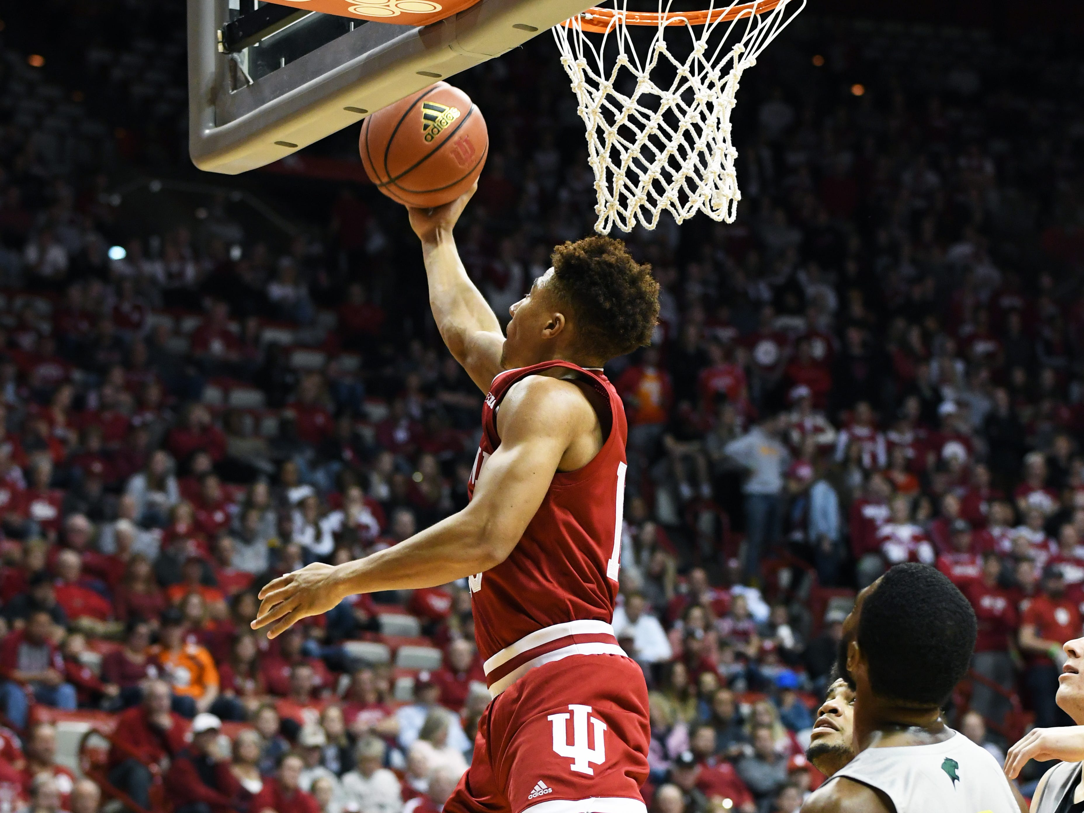 Indiana Hoosiers guard Rob Phinisee (10) goes to the basket during the game against Chicago State at Simon Skjodt Assembly Hall in Bloomington, Ind., on Tuesday, Nov. 6, 2018.