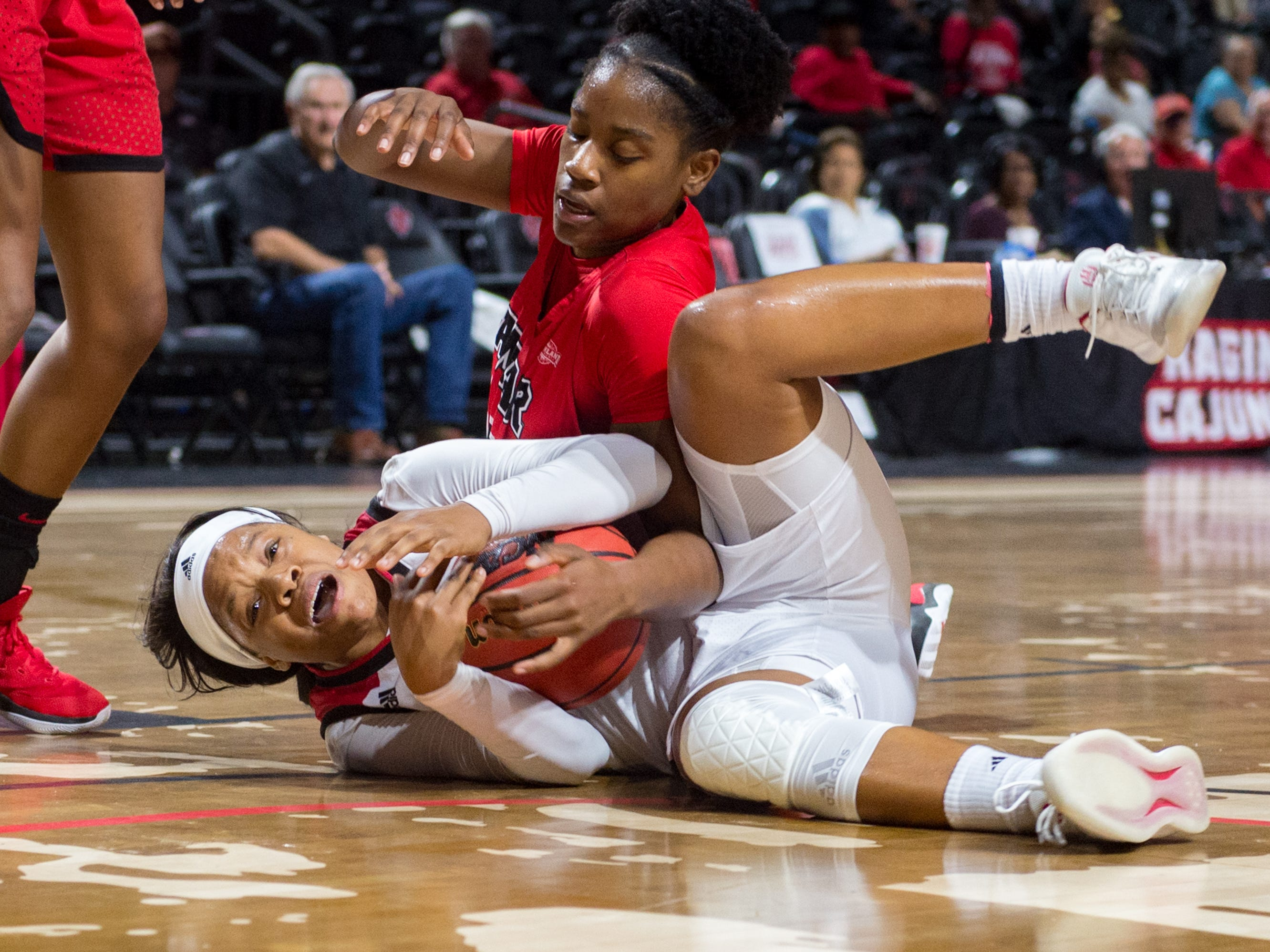 Brandi Williams as the Cajuns take on Lamar in Womens Basketball. Tuesday, Nov. 6, 2018.