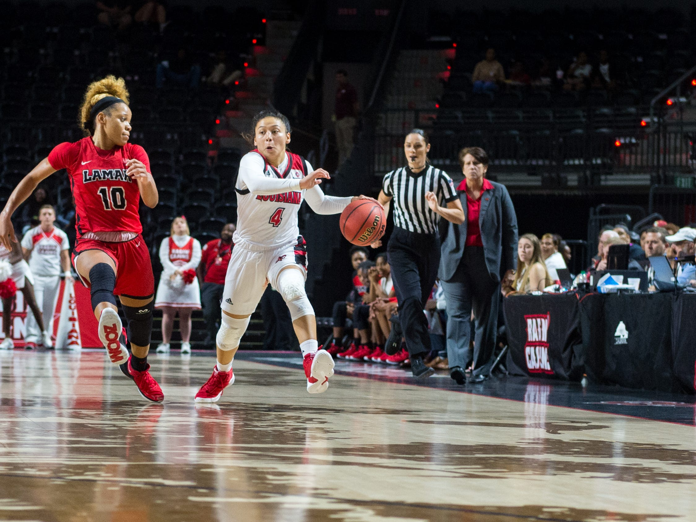 Caroline Rivera moves the ball as the Cajuns take on Lamar in Womens Basketball. Tuesday, Nov. 6, 2018.