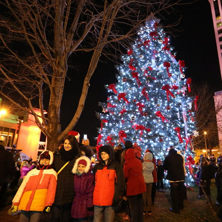 50 ways to get in the holiday spirit with your kids in and around Milwaukee