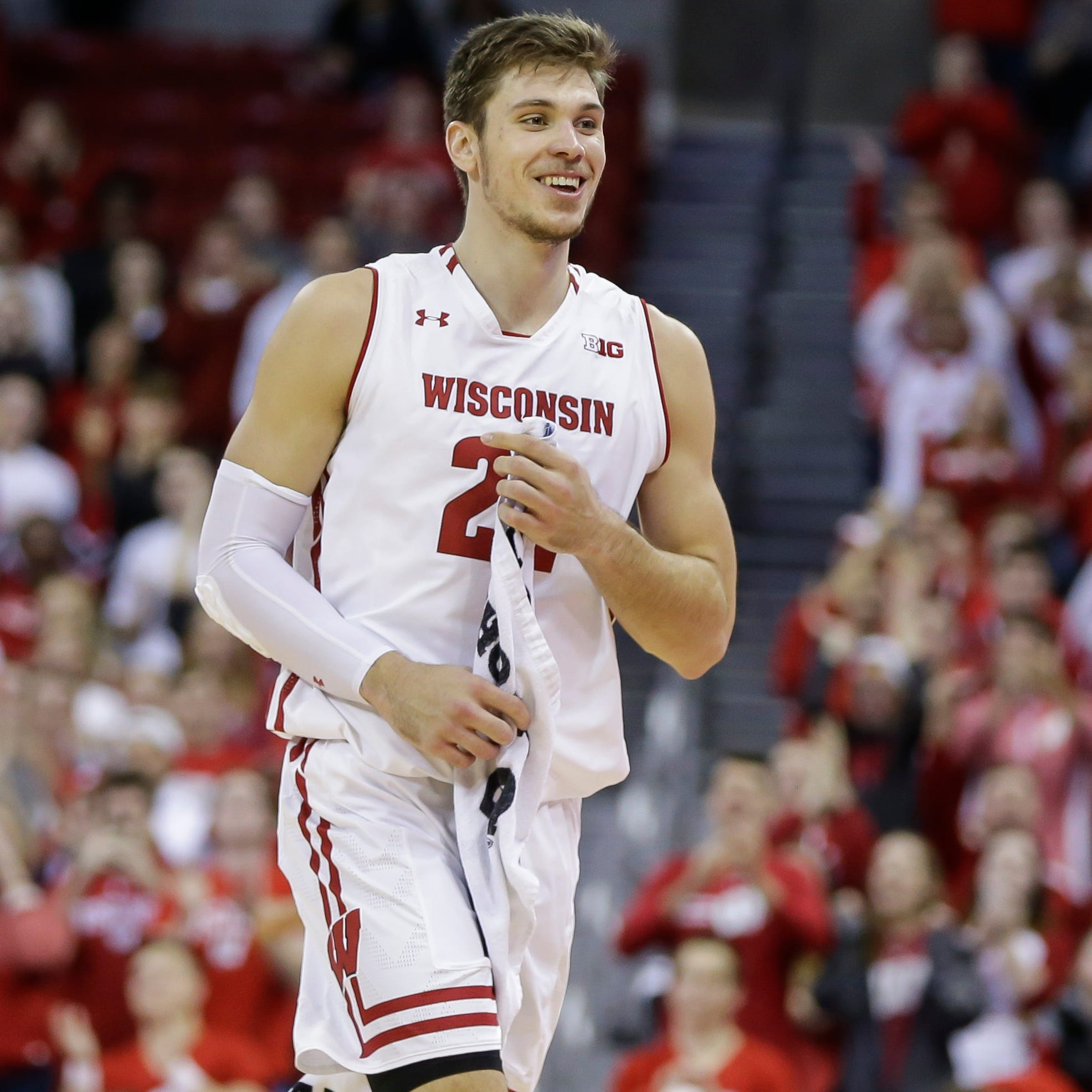 UW's Ethan Happ, with a deeper supporting cast and no NBA questions, appears poised for a big senior season