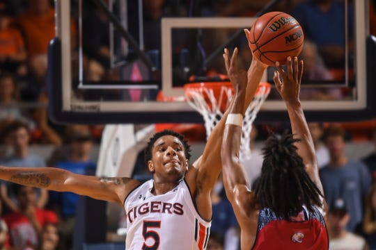 Auburn forward Chuma Okeke (5) blocks a shot against South Alabama on Tuesday, November 6, 2018, in Auburn, Ala.