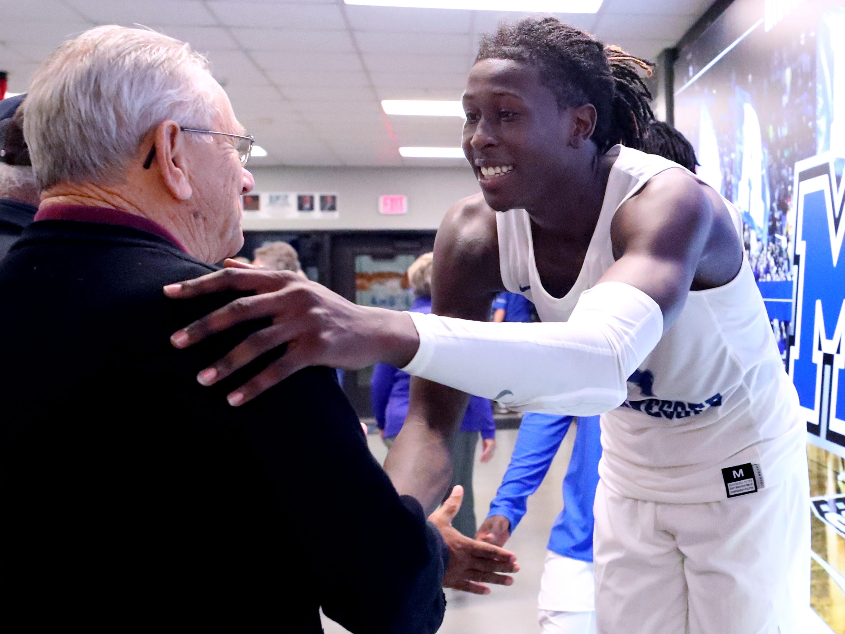 MTSU's James Hawthorne (4) thanks fans for coming to the game as they leave after MTSU defeated Lees-McRae on Tuesday, Nov. 6, 2018.