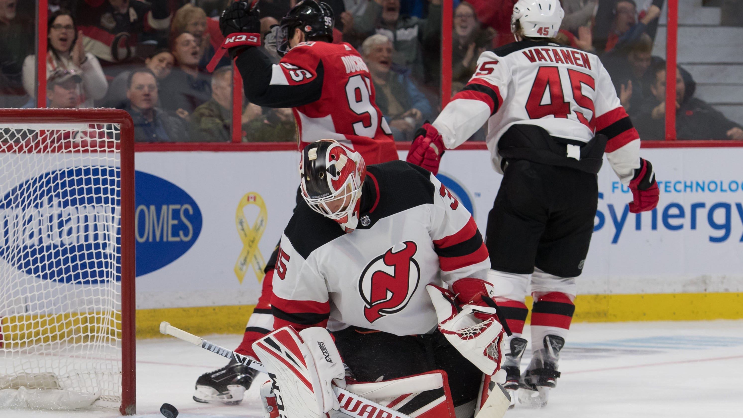 NJ Devils blow early lead e611b464f