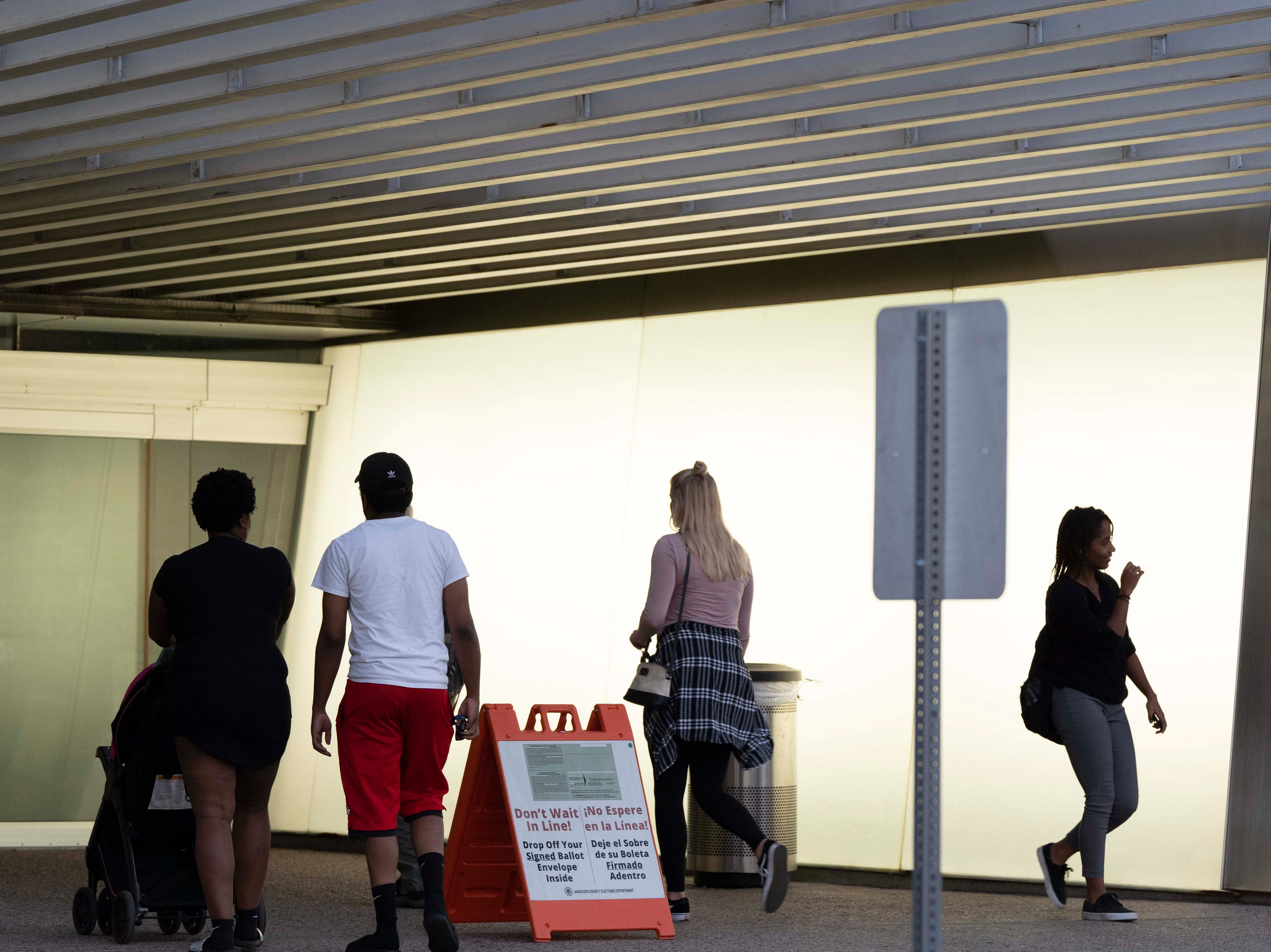 Arizona voters cast their ballots at Burton Barr Central Library polling place on Nov. 6, 2018.