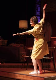 "Jeanne Paulsen in Arizona Theatre Company's production of ""Erma Bombeck: At Wit's End."""