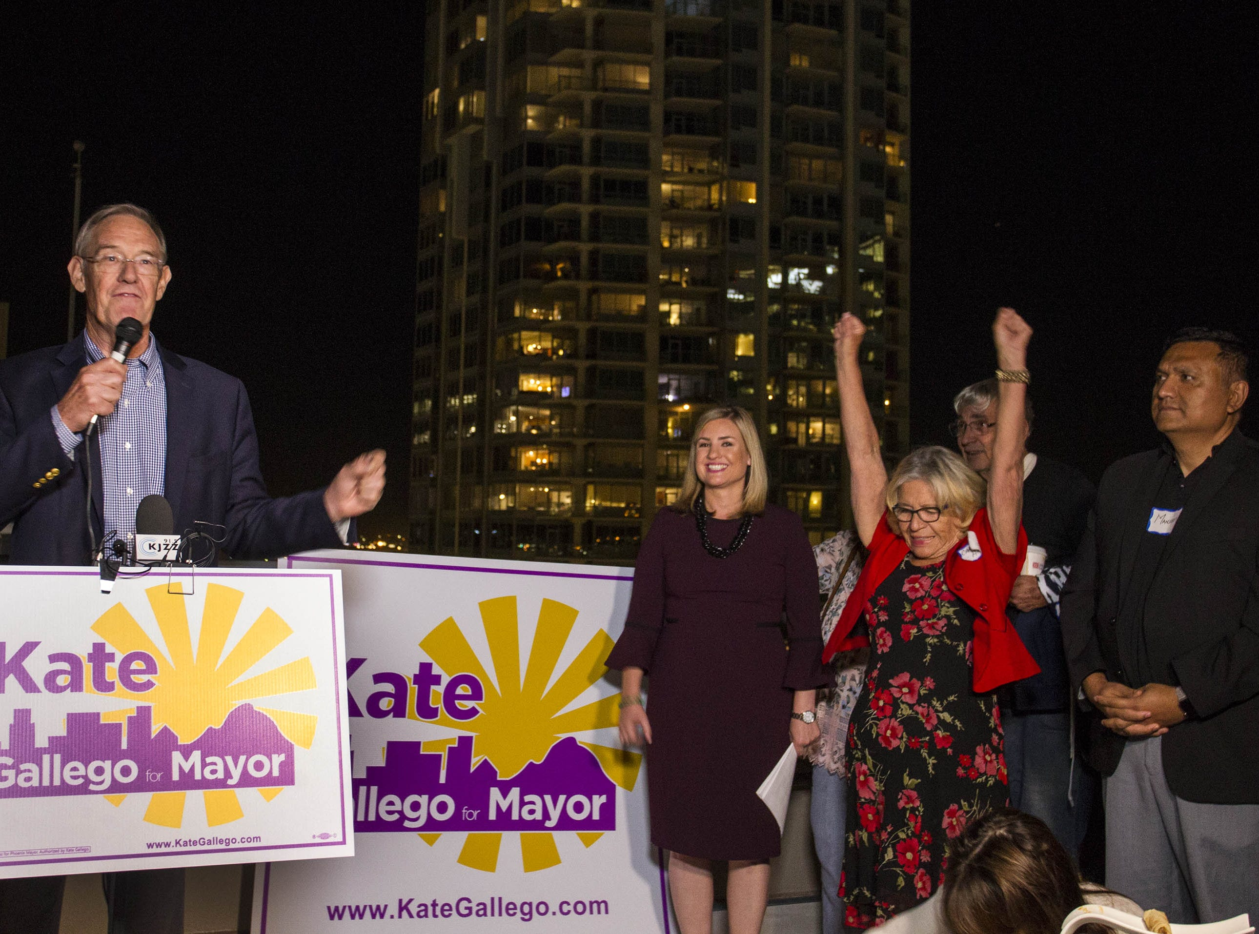 Former Phoenix Mayor Terry Goddard introduces Phoenix mayoral candidate Kate Gallego at the Hilton Garden Inn in Phoenix on Nov. 6, 2018.