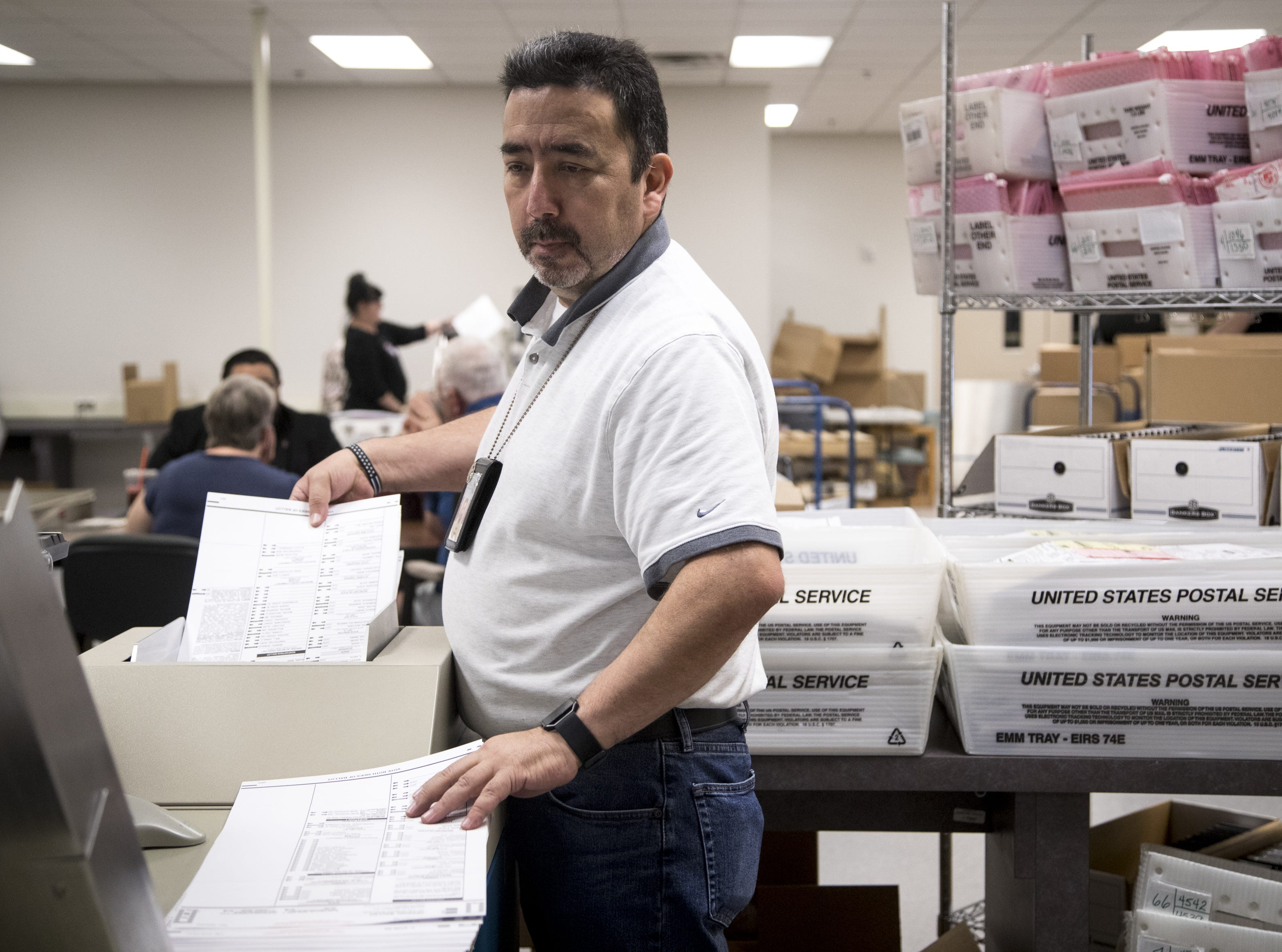More than 600K ballots left to count, reflecting record midterm turnout, Republic projects