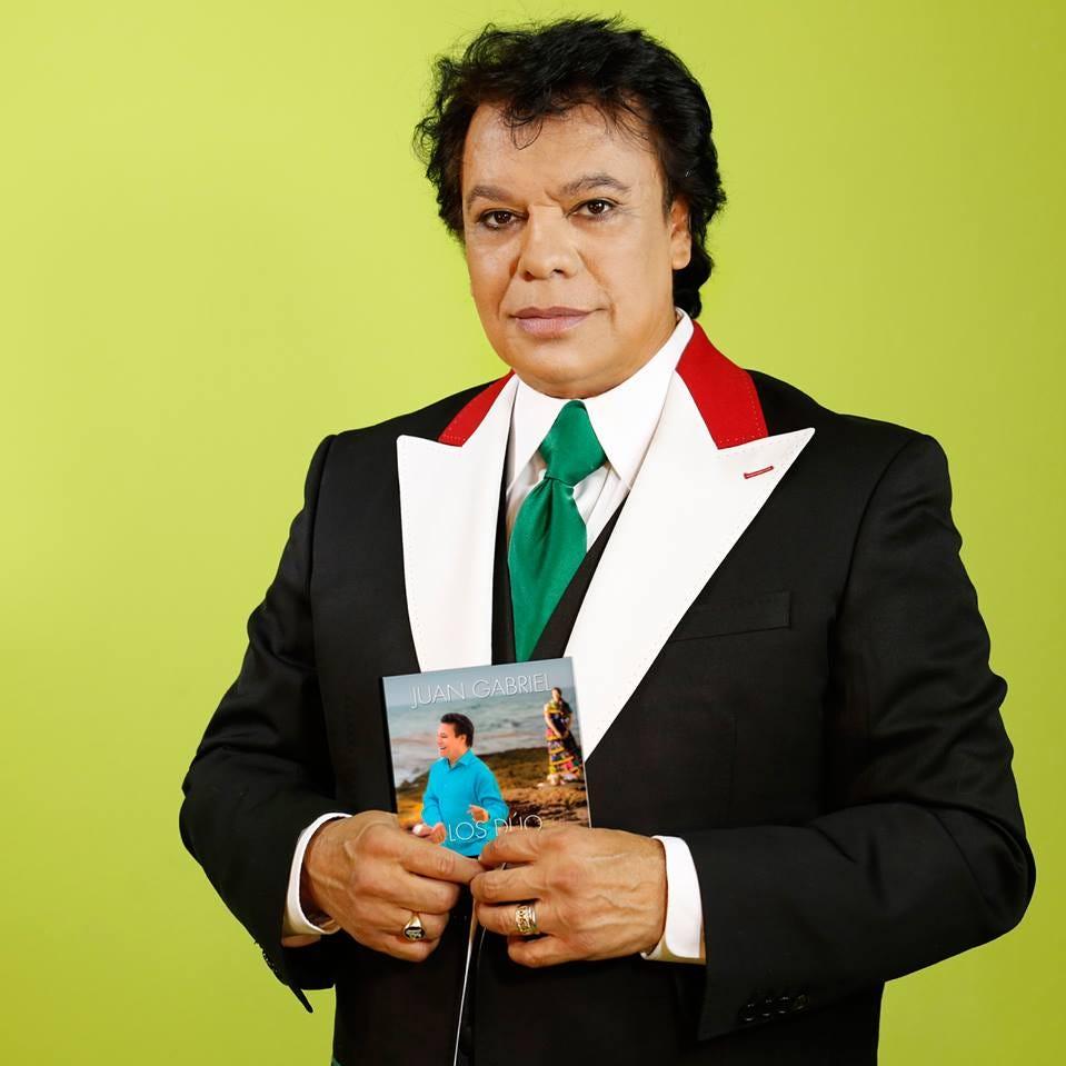 Joaquín Muñoz ex manager de Juan Gabriel, insiste que vive y que aparecerá en diciembre