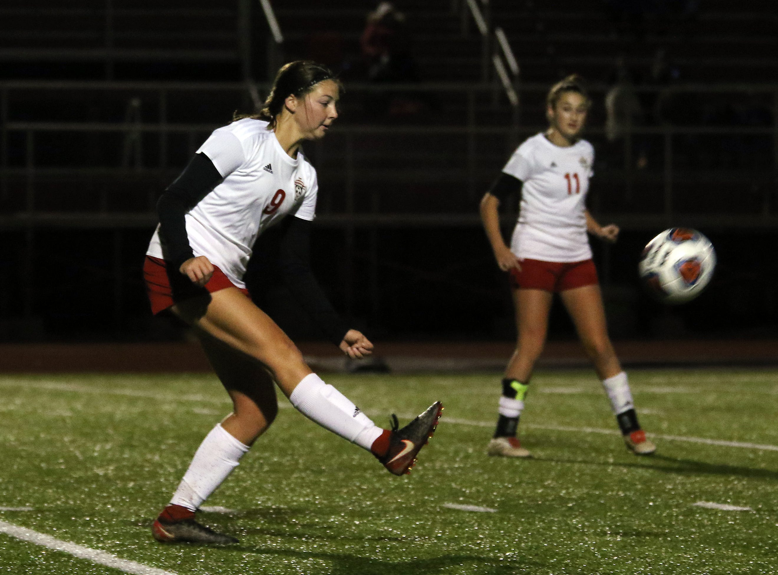 Rosecrans' Maggie Hutcheson passes the ball against CCD in the Division III state semifinals at London High School on Tuesday.