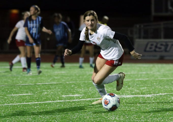 Rosecrans' Kailey Zemba moves with the ball against CCD in the Division III state semifinals at London High School on Tuesday.
