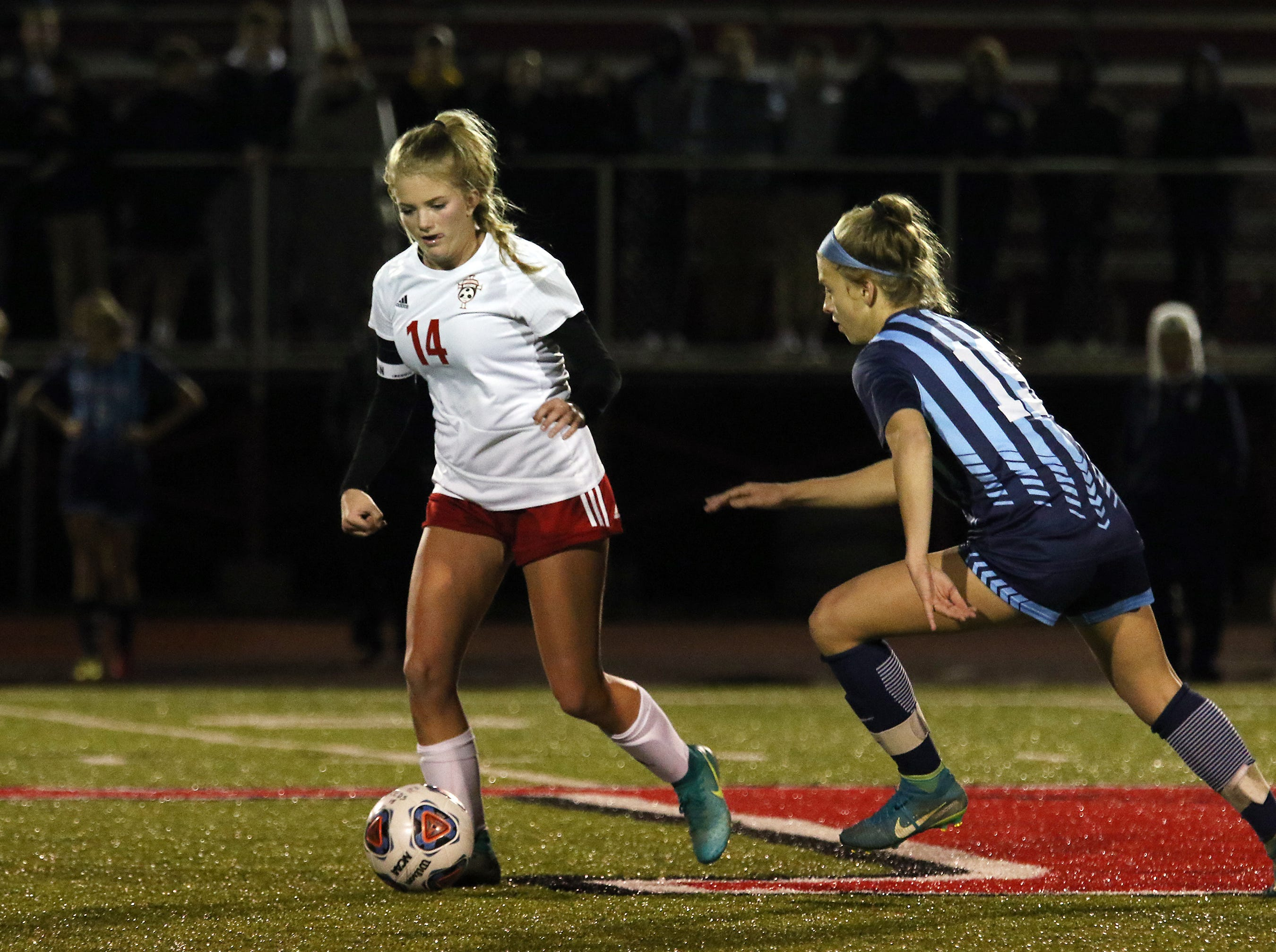 Rosecrans' Emma Zemba moves with the ball against CCD in the Division III state semifinals at London High School on Tuesday.