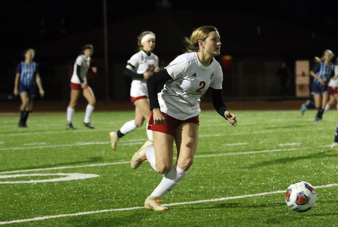 Rosecrans' Kailey Zemba moves with the ball against Summit CCD in the Division III state semifinals last season. Zemba headlines 10 returning letter winners for the Bishops.