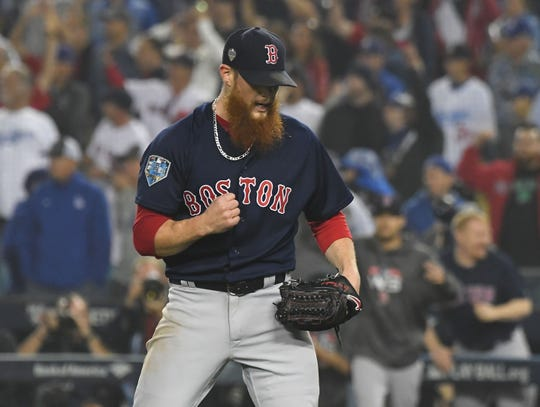 Free-agent reliever Craig Kimbrel is 320 saves from passing Mariano Rivera for baseball's all-time saves record.