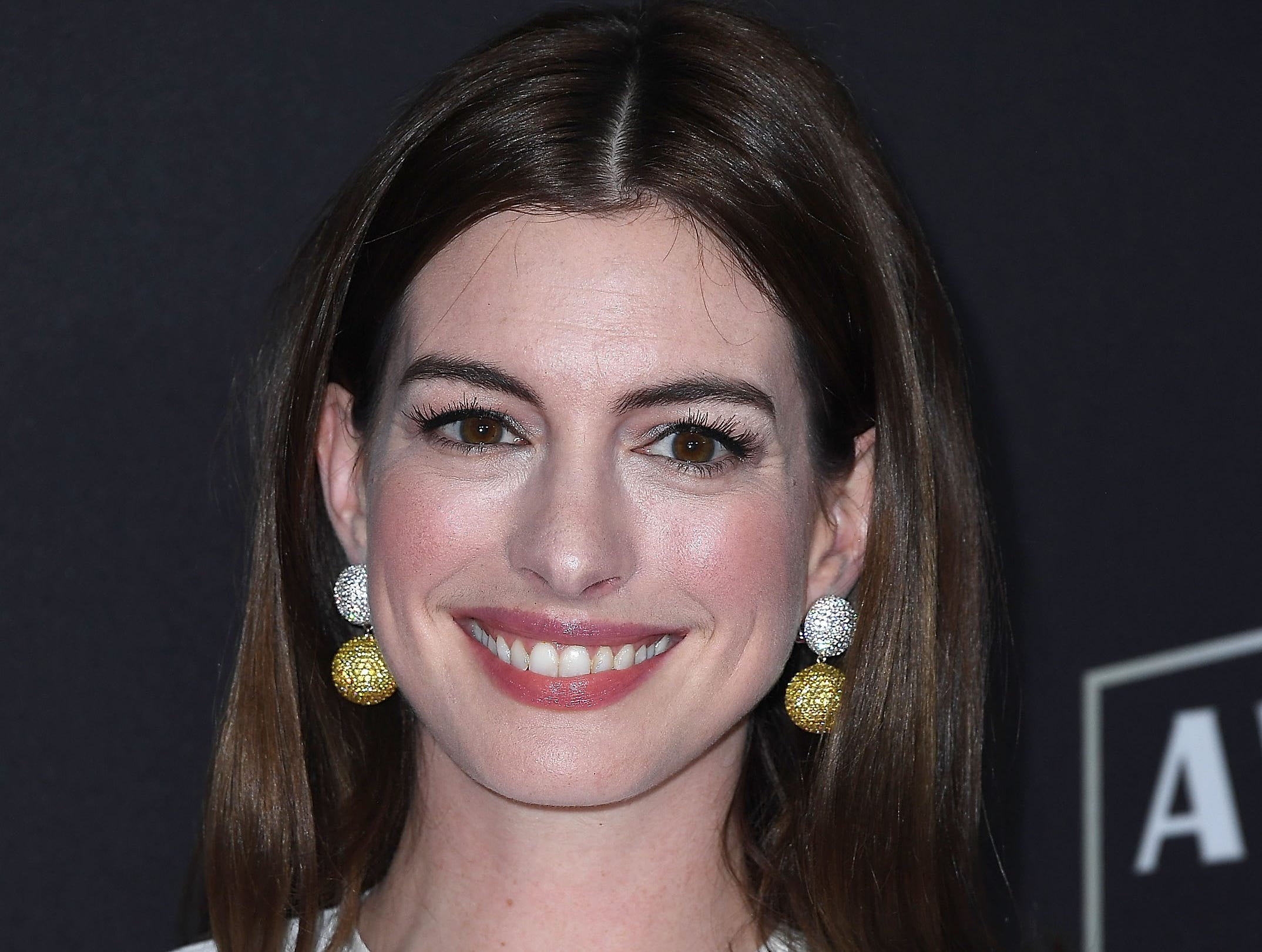 BEVERLY HILLS, CA - NOVEMBER 04:  Anne Hathaway arrives at the 22nd Annual Hollywood Film Awards on November 4, 2018 in Beverly Hills, California.  (Photo by Steve Granitz/WireImage) ORG XMIT: 775237947 ORIG FILE ID: 1057540454