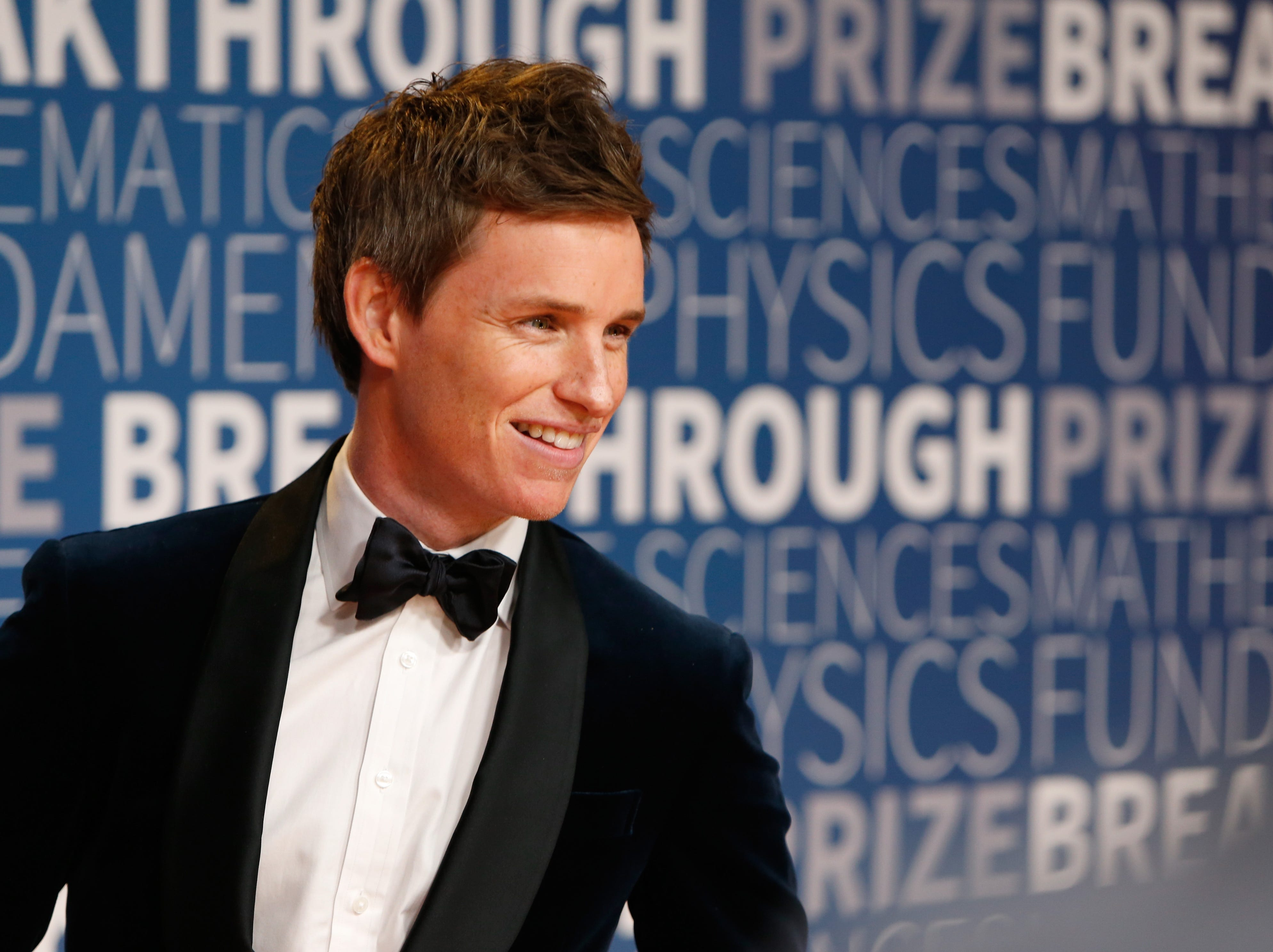 MOUNTAIN VIEW, CA - NOVEMBER 04:  Eddie Redmayne attends the 2019 Breakthrough Prize at NASA Ames Research Center on November 4, 2018 in Mountain View, California.  (Photo by Lachlan Cunningham/Getty Images for Breakthrough Prize) ORG XMIT: 775252235 ORIG FILE ID: 1057495588