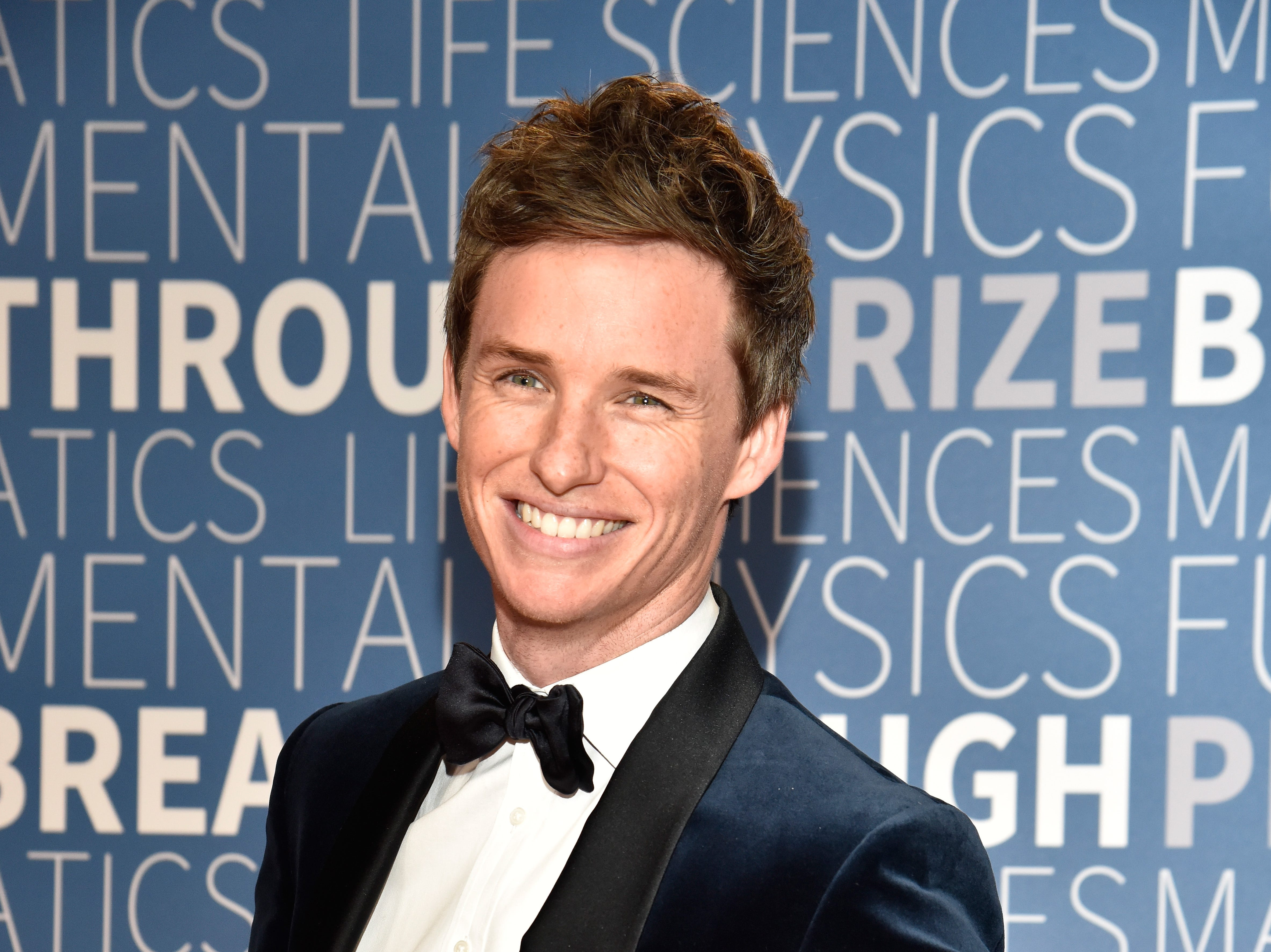 MOUNTAIN VIEW, CA - NOVEMBER 04:  Eddie Redmayne attends the 2019 Breakthrough Prize at NASA Ames Research Center on November 4, 2018 in Mountain View, California.  (Photo by Tim Mosenfelder/Getty Images for Breakthrough Prize) ORG XMIT: 775252235 ORIG FILE ID: 1057534110
