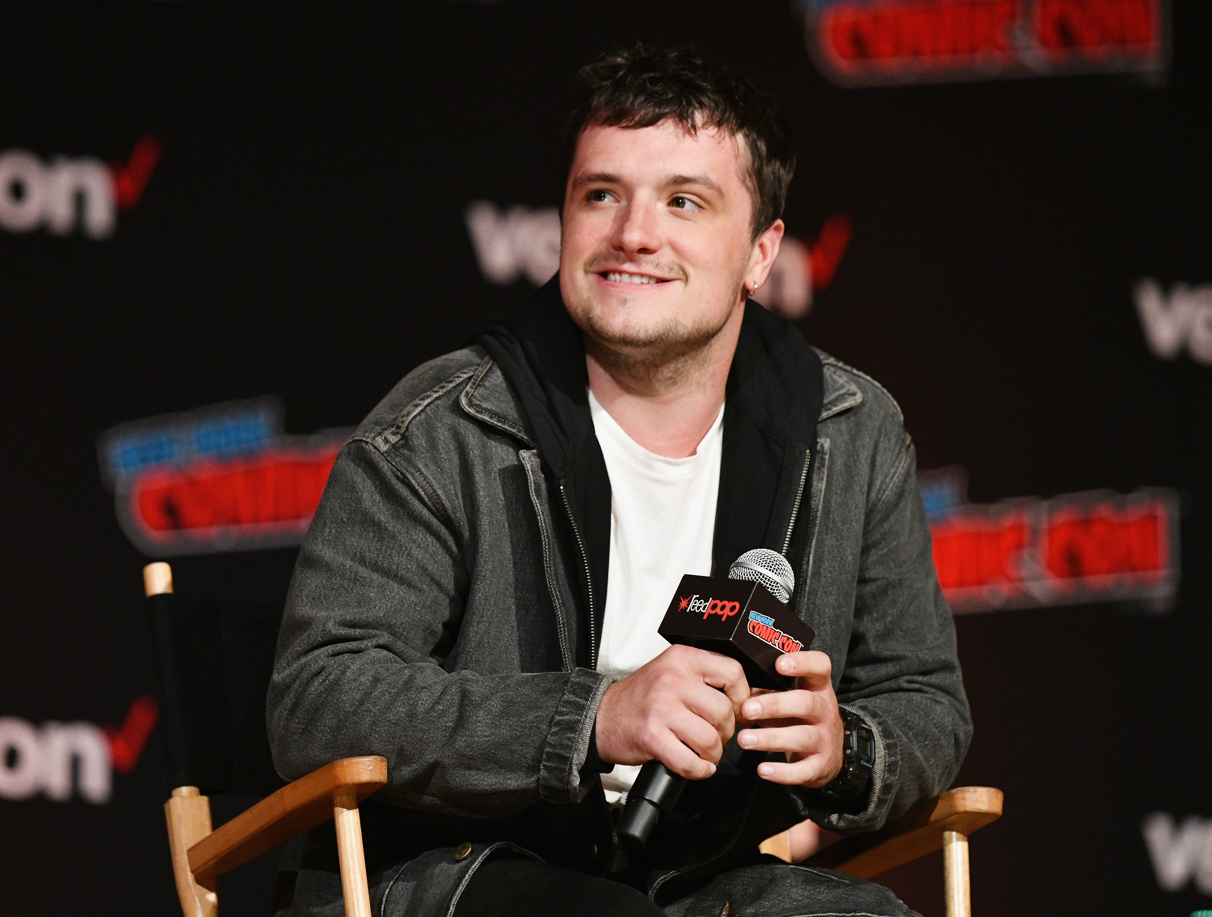 "NEW YORK, NY - OCTOBER 06:  Josh Hutcherson speaks onstage during Hulu's ""Future Man"" Panel at 2018 New York Comic Con at Javits Center on October 6, 2018 in New York City.  (Photo by Bryan Bedder/Getty Images for Hulu) ORG XMIT: 775238048 ORIG FILE ID: 1046706828"