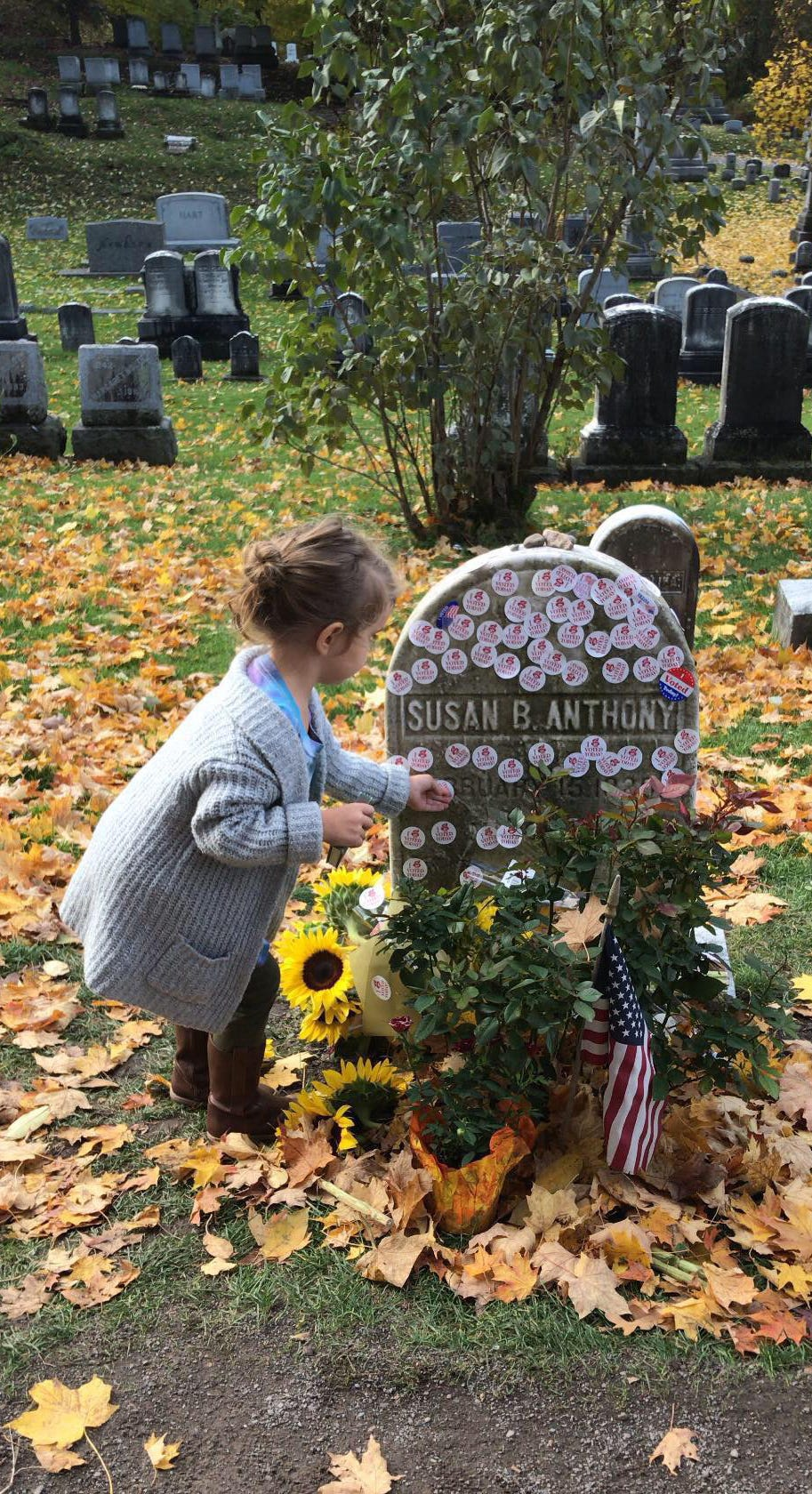 Nob 6 2018 Rochester Ny Usa Nora Ray Puts Her Mother S Sticker On Susan B Anthony S Grave In Mt Hope Cemetery On Election Day Tina Macintyre Yee Rochester Democrat And Chronicle Via Usa Today Network