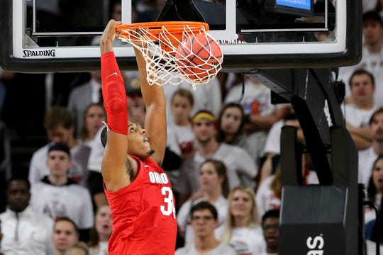 Ohio State Buckeyes forward Kaleb Wesson (34) dunks in the second half of a college basketball game between the Ohio State Buckeyes and the Cincinnati Bearcats, Wednesday, Nov. 7, 2018, at Fifth Third Arena in Cincinnati.