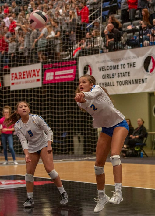 Dubuque Wahlert Aliyah Carter Digs Out A Serve During Quarterfinal Action At The Girls High School Volleyball Tournament