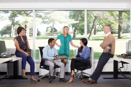 Brose's open workspace promotes teamwork and transparency. Leaders sit with their teams, fostering collaboration and communication.