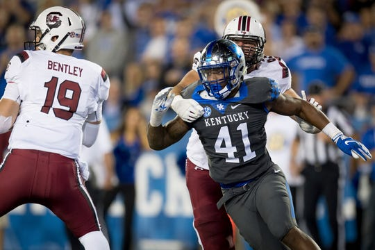 Kentucky linebacker Josh Allen rushes against South Carolina, Sept. 29, 2018.
