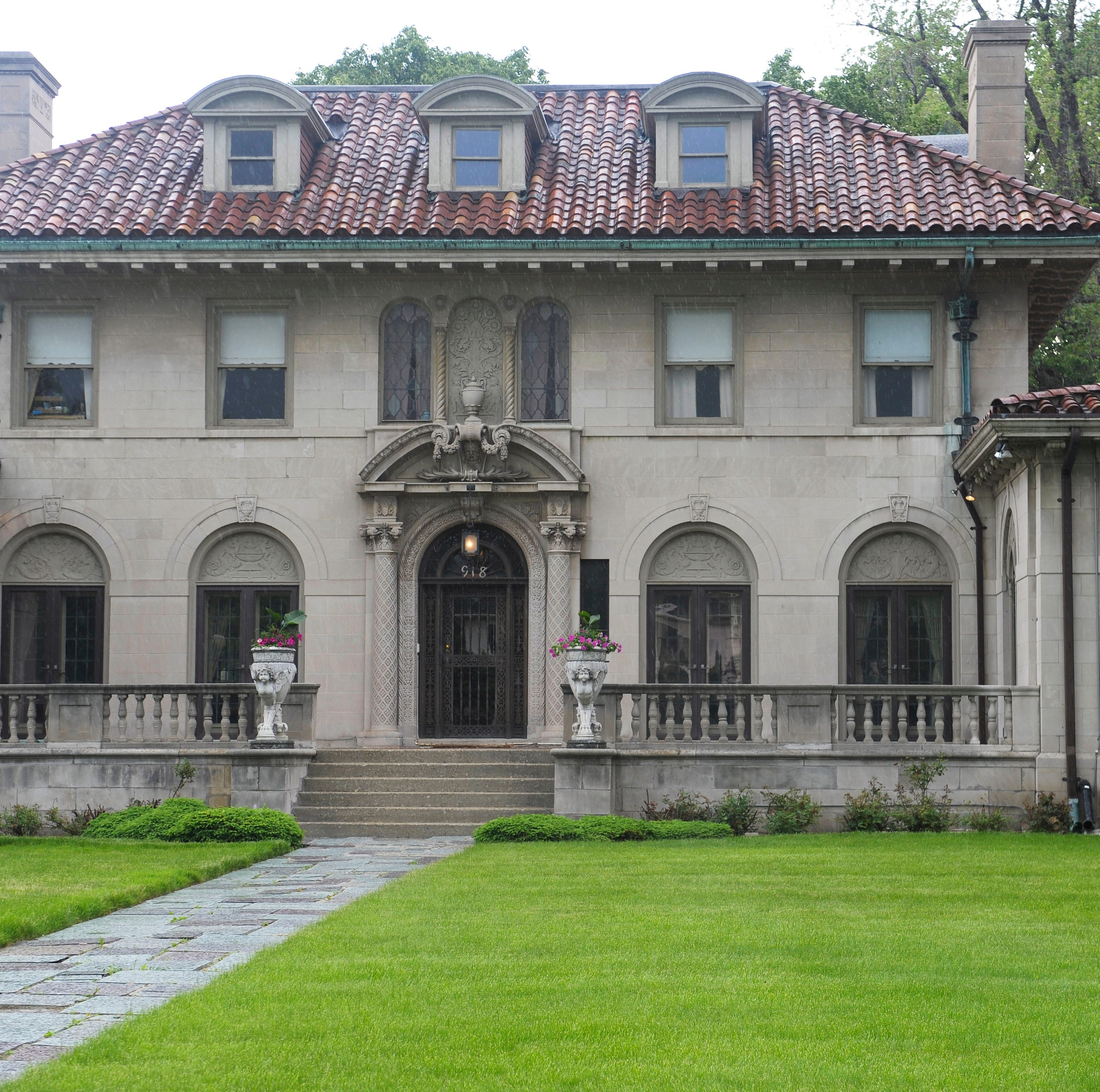 Welcome Mat: Motown Mansion hosts Boston-Edison holiday home tour preview party