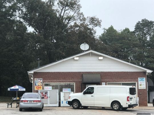 Greenville Co. deputies believe incidents involving a potential robbery at a convenience store at 3601 Highway 414 and a gunshot victim found on Sweetgum Road are linked.