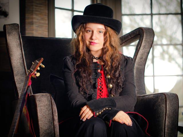 Music prodigy EmiSunshine, Southern comic Etta May set for arts center