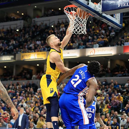 Pacers Domantas Sabonis' posterizing dunk earns Play of the Week