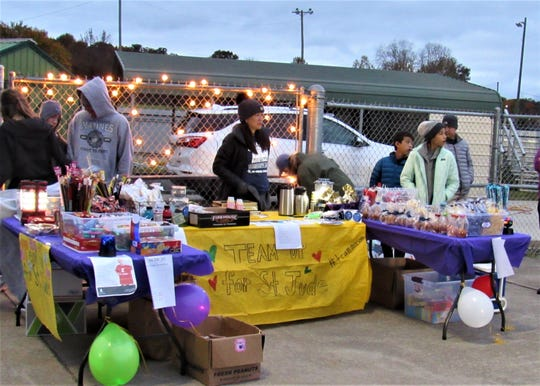 Snack stand at a Farragut High School football game to benefit Mason Motley and St. Jude in 2018. Thanks to all of the donations, there were plenty of treats left over to operate the snack stand again at the week.