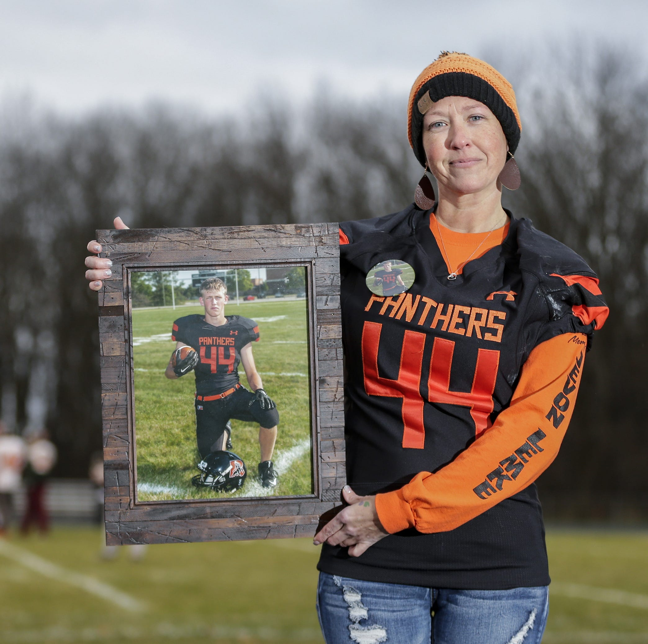 WIAA football: Reedsville rallies behind missing senior: 'After every game, I've cried'