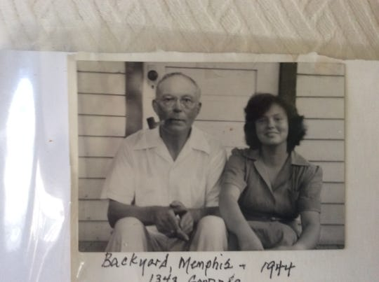 Frank Hoyt Gailor and his daughter, Nancy, at their Memphis home in 1944.